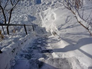 Dangerous Winter Stairs (Michael (a.k.a. moik) McCullough FLIKR CC)