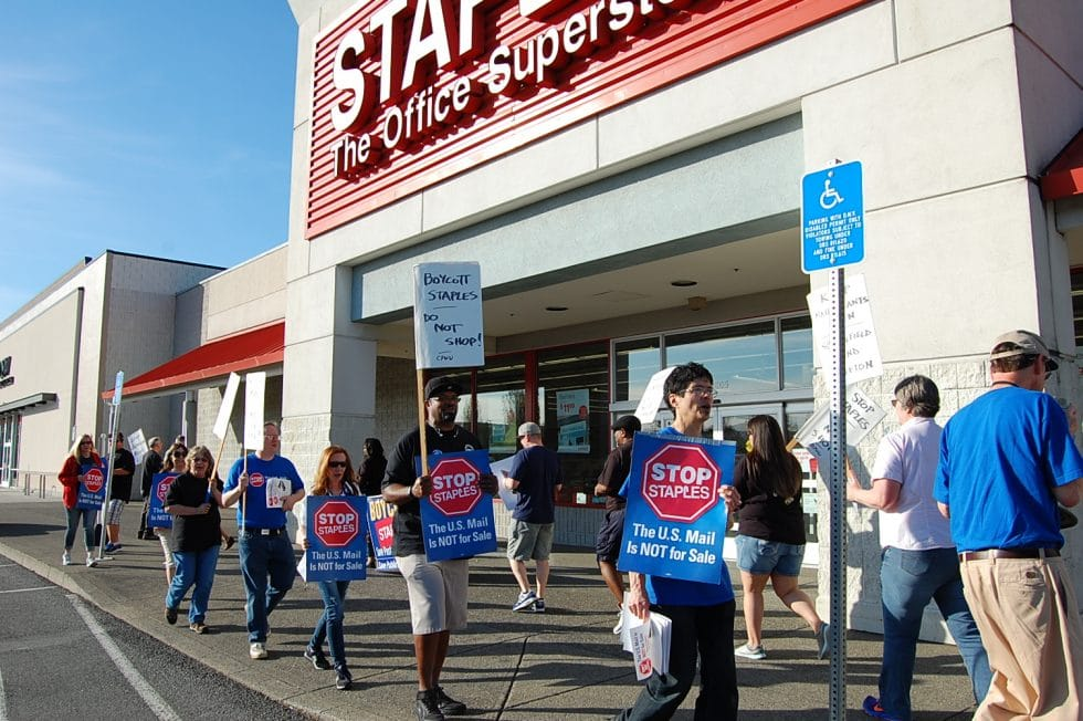 wapwu_convention_stop_staples