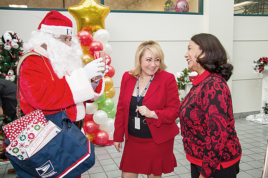 Does Usps Run On Christmas Eve.Usps Operation Santa Program Has New Website Other Changes